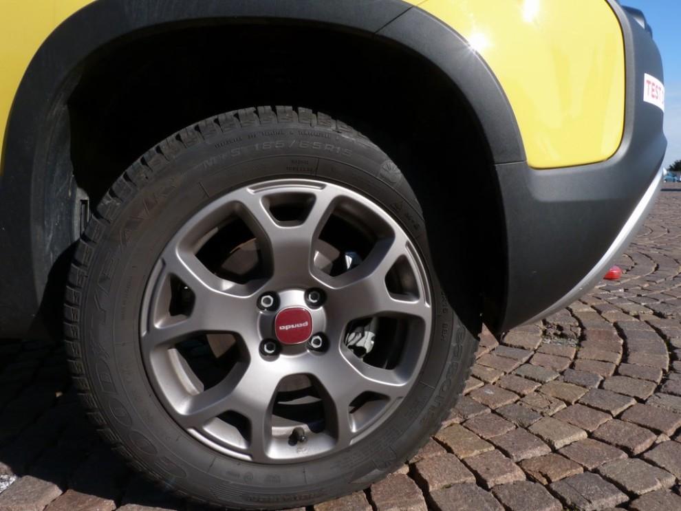 Fiat Panda Cross 1.3 MJT S&S 4×4: la prova su strada - Foto 21 di 30