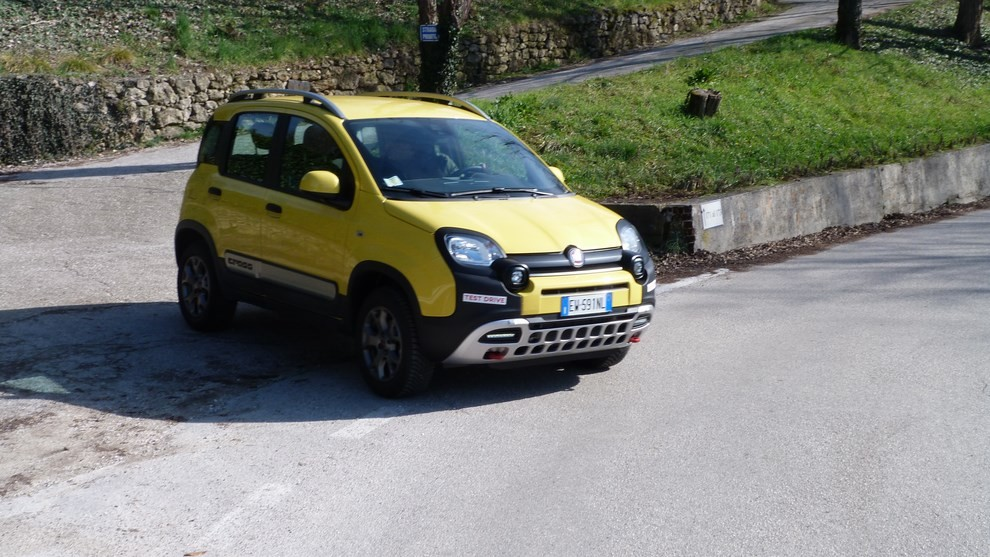 Fiat Panda Cross 1.3 MJT S&S 4×4: la prova su strada - Foto 28 di 30