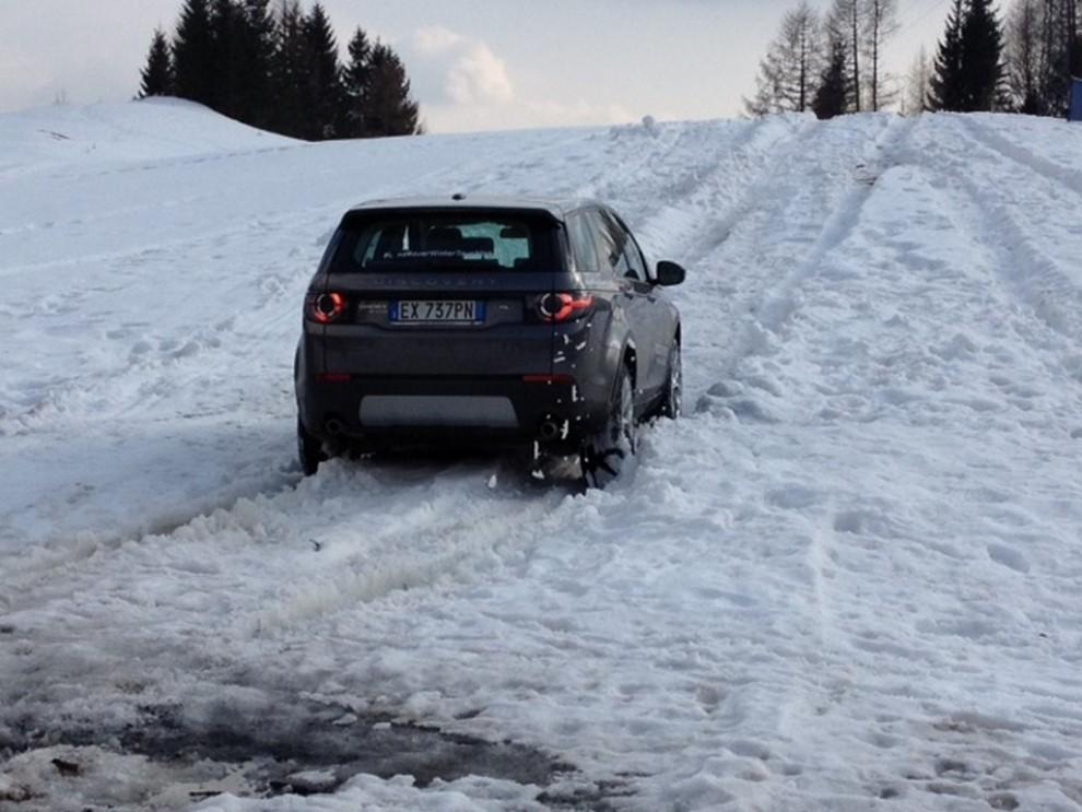Land Rover Discovery Sport prova su strada, prestazioni e consumi - Foto 7 di 14