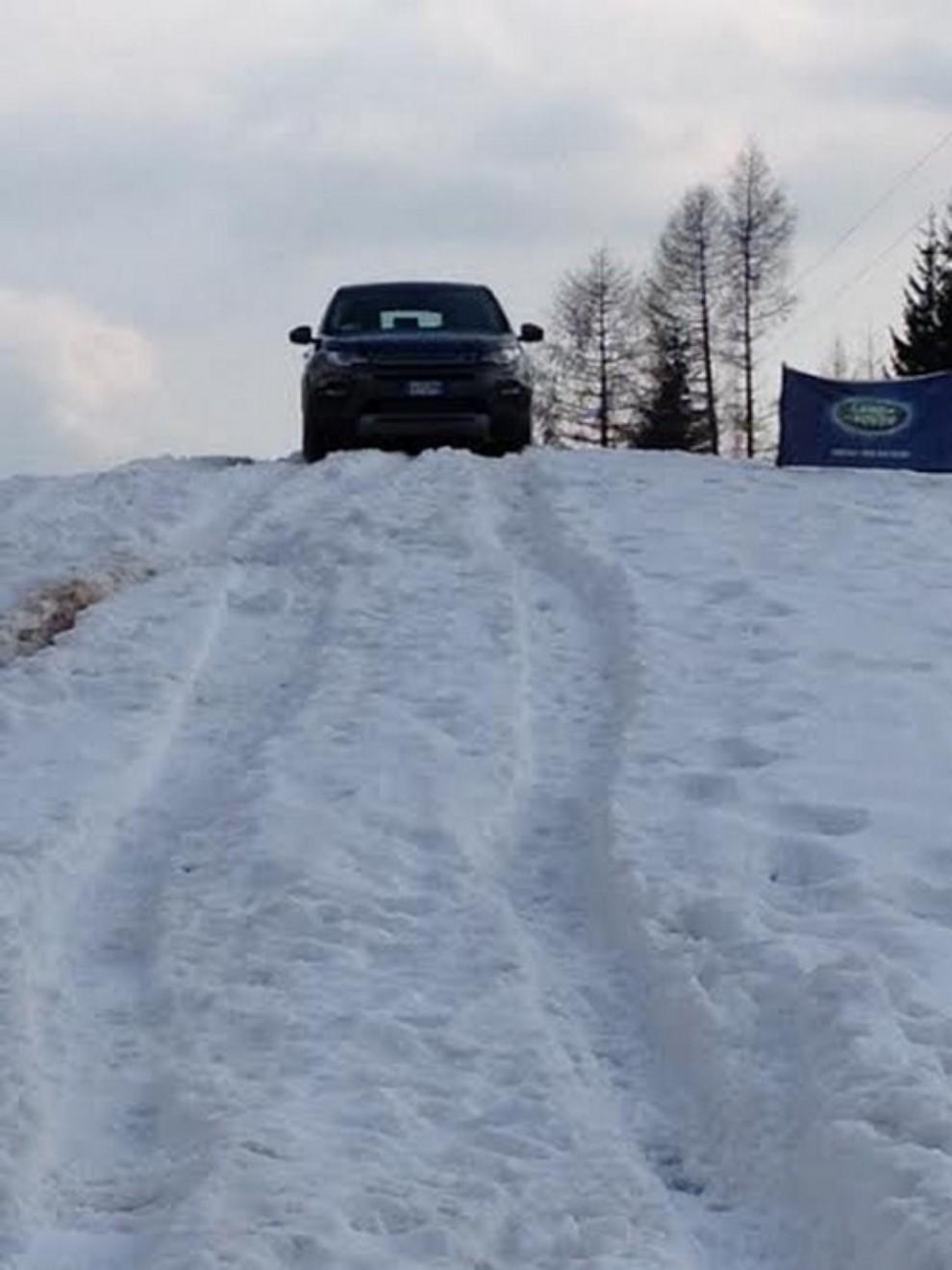 Land Rover Discovery Sport prova su strada, prestazioni e consumi - Foto 10 di 14