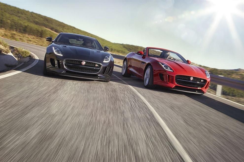 Jaguar F-Type AWD prova su strada della sportiva a trazione integrale - Foto 9 di 11