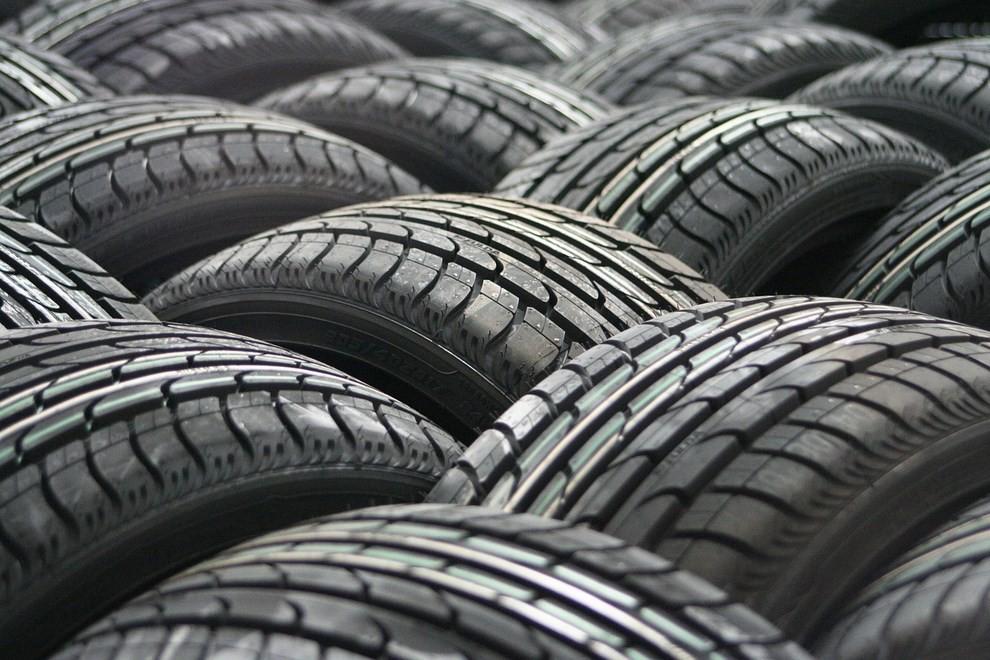 Cambio pneumatici invernali: quando sostituirli con le gomme estive - Foto 4 di 5