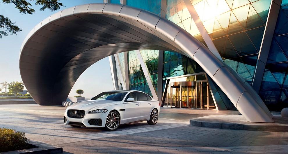 Nuova Jaguar XF, design evoluto e tecnologia avanzata per la nuova generazione - Foto 4 di 4