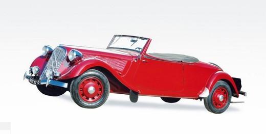 La Citroen più costosa al mondo: Traction Avant 15 Six Cabriolet da 612.440 euro