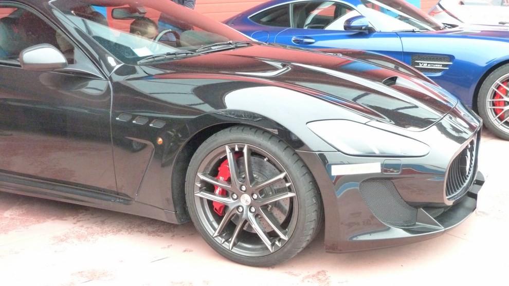 Maserati Granturismo MC Stradale su strada ed in pista - Foto 4 di 14