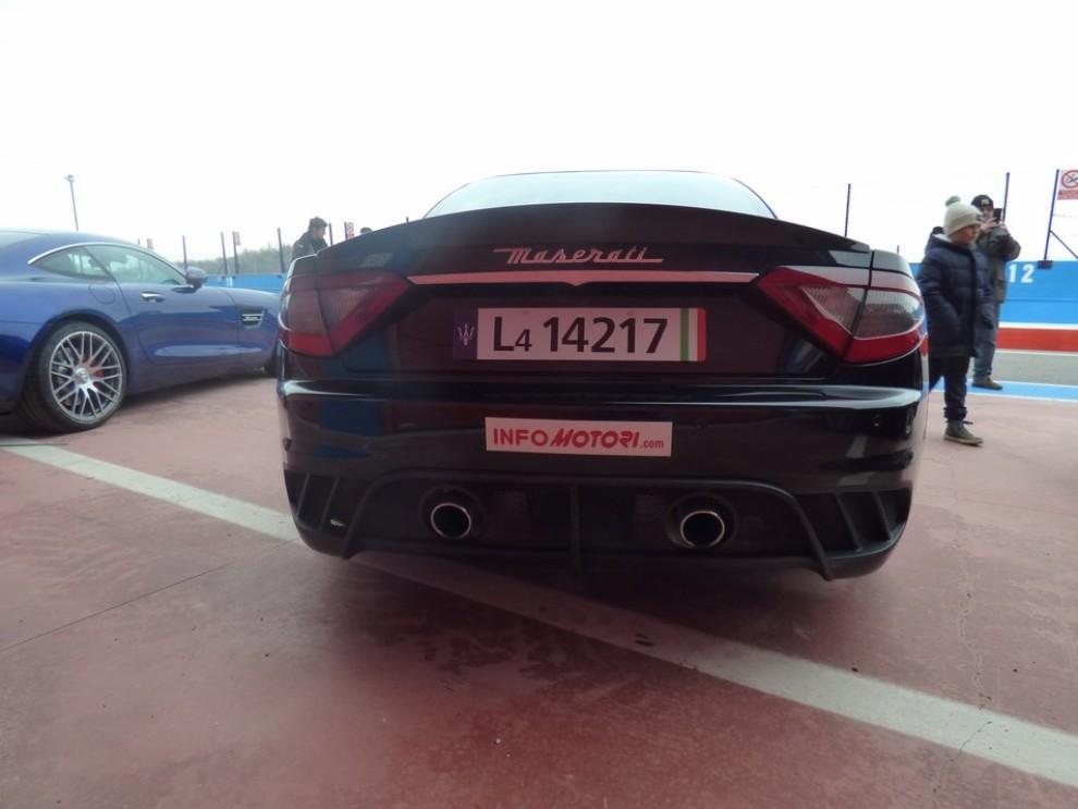 Maserati Granturismo MC Stradale su strada ed in pista - Foto 9 di 14