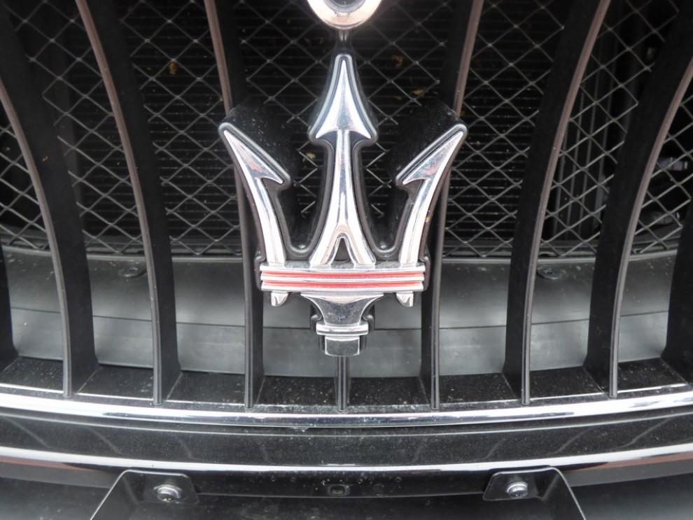 Maserati Granturismo MC Stradale su strada ed in pista - Foto 12 di 14