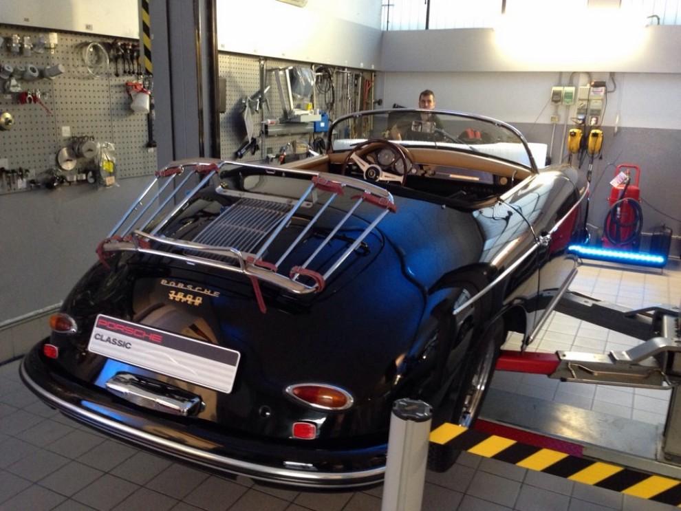 Partner Porsche Classic, inaugurato a Padova il secondo centro specializzato nelle auto d'epoca Porsche - Foto 4 di 20