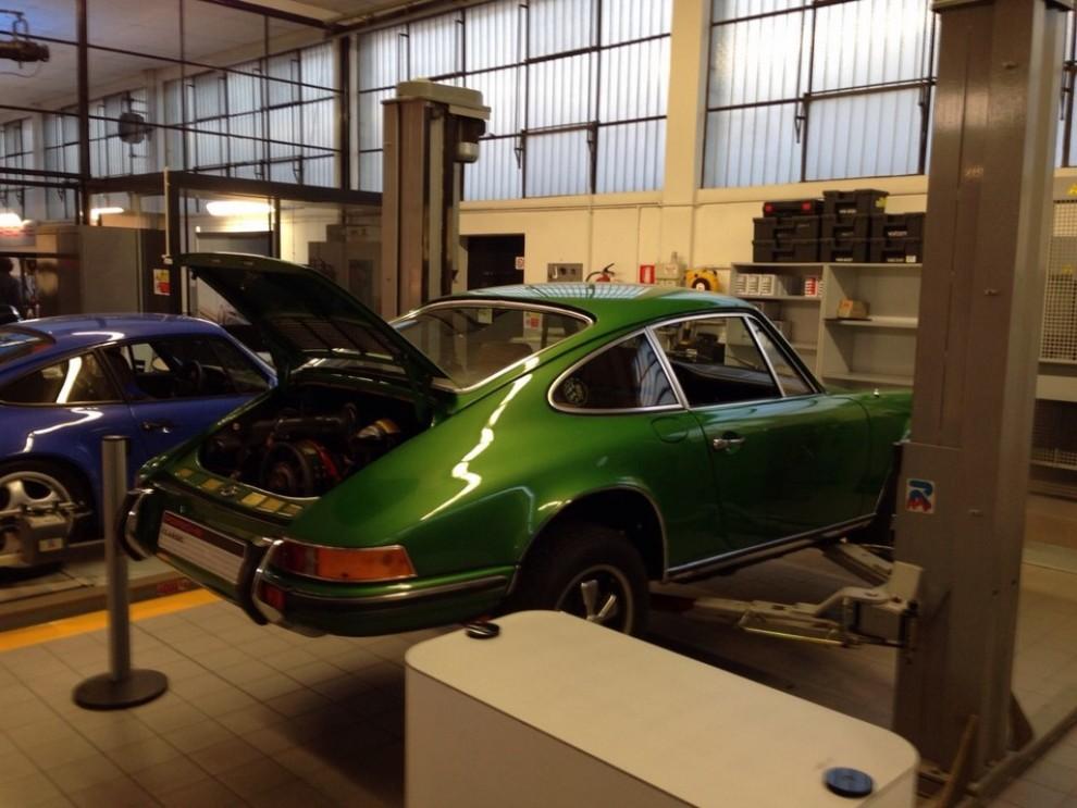 Partner Porsche Classic, inaugurato a Padova il secondo centro specializzato nelle auto d'epoca Porsche - Foto 15 di 20
