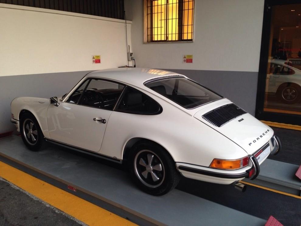 Partner Porsche Classic, inaugurato a Padova il secondo centro specializzato nelle auto d'epoca Porsche - Foto 17 di 20