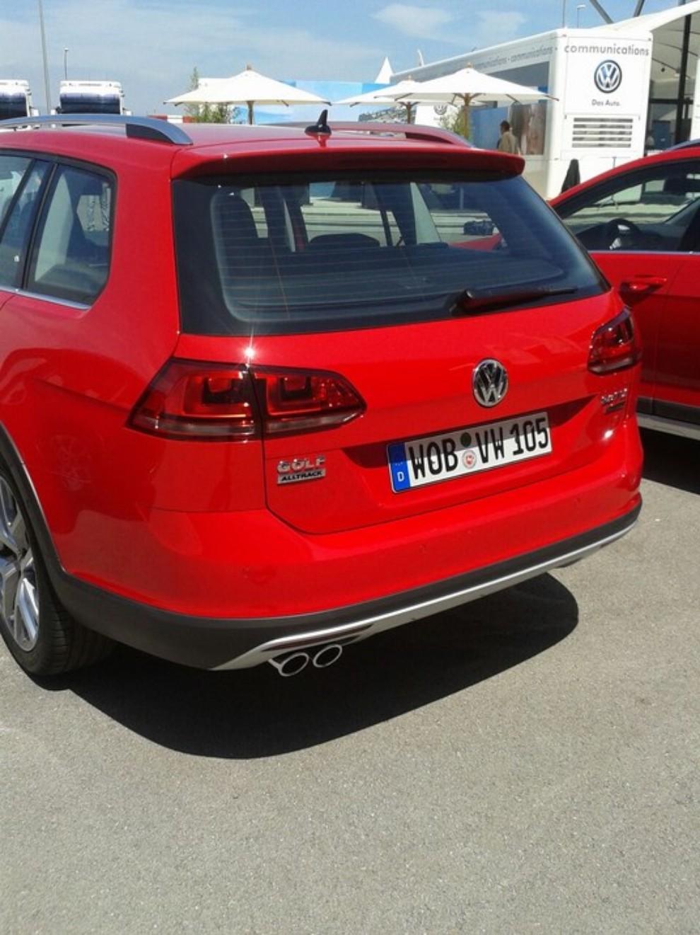 Volkswagen Golf Alltrack prova su strada, prestazioni e prezzi - Foto 6 di 13