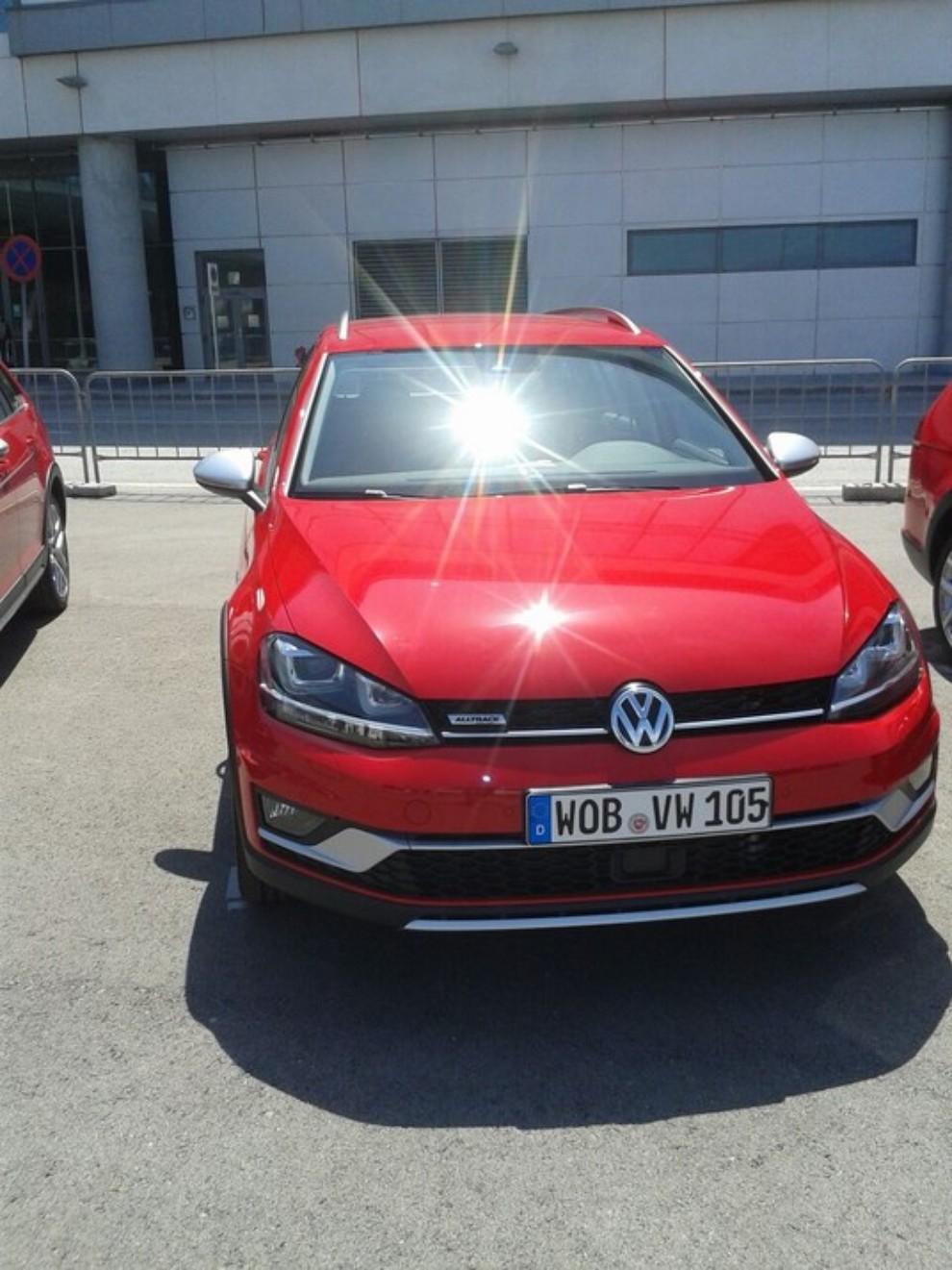 Volkswagen Golf Alltrack prova su strada, prestazioni e prezzi - Foto 9 di 13