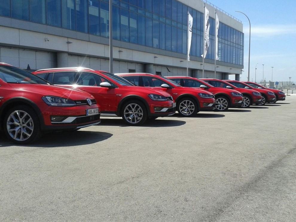 Volkswagen Golf Alltrack prova su strada, prestazioni e prezzi - Foto 11 di 13