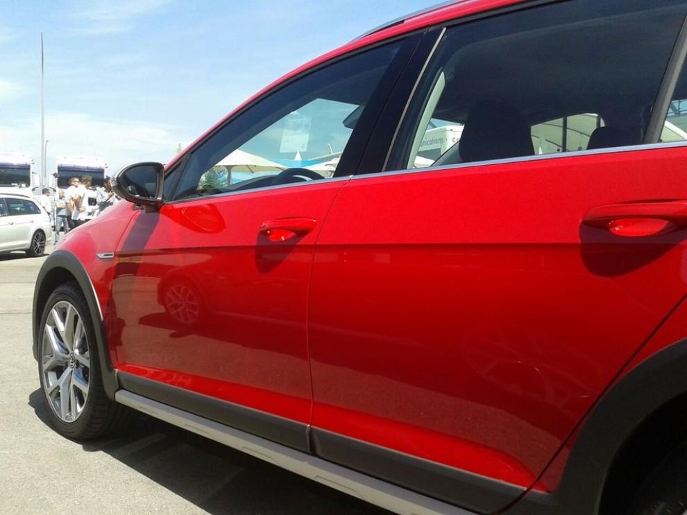 Volkswagen Golf Alltrack prova su strada, prestazioni e prezzi - Foto 3 di 13