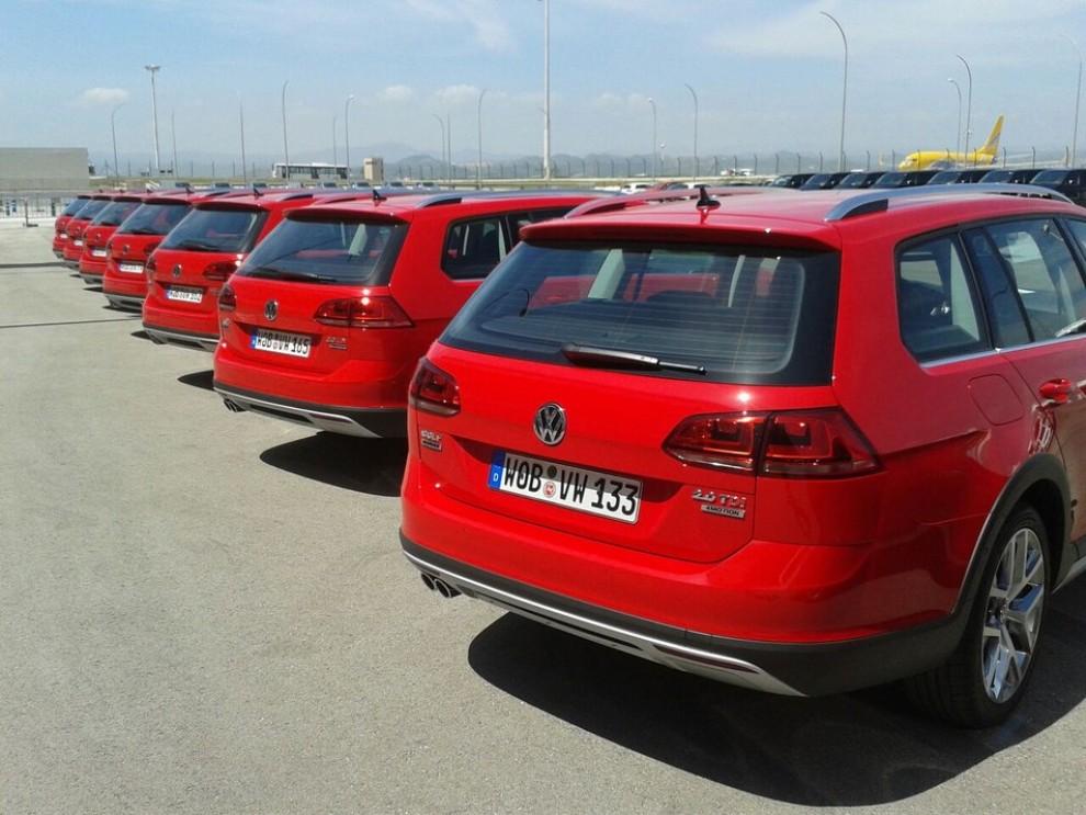 Volkswagen Golf Alltrack prova su strada, prestazioni e prezzi - Foto 4 di 13