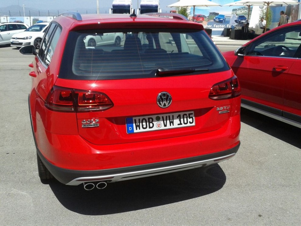 Volkswagen Golf Alltrack prova su strada, prestazioni e prezzi - Foto 5 di 13