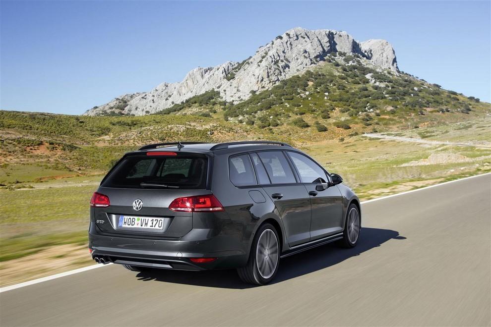 Volkswagen Golf GTD Variant prova su strada, prestazioni e consumi - Foto 7 di 25