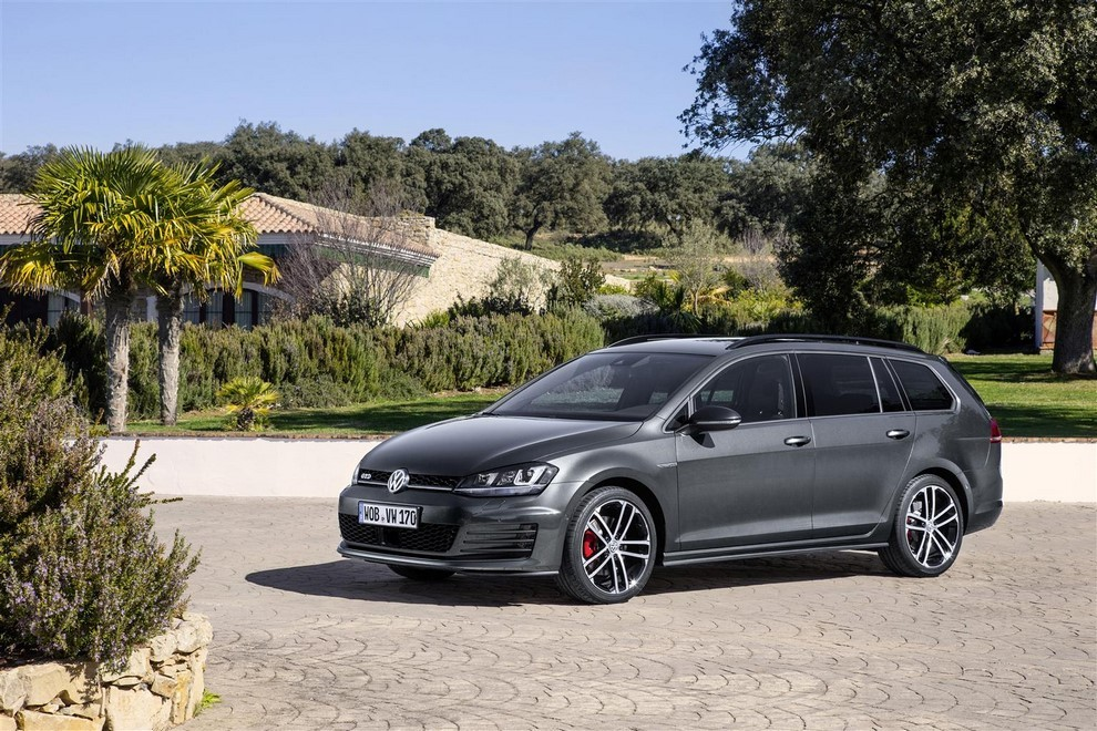 Volkswagen Golf GTD Variant prova su strada, prestazioni e consumi - Foto 9 di 25