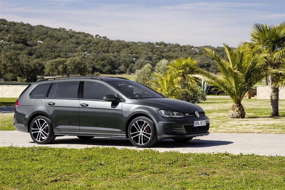 Volkswagen Golf GTD Variant prova su strada, prestazioni e consumi - Foto 1 di 25