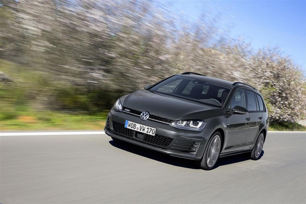 Volkswagen Golf GTD Variant prova su strada, prestazioni e consumi - Foto 5 di 25