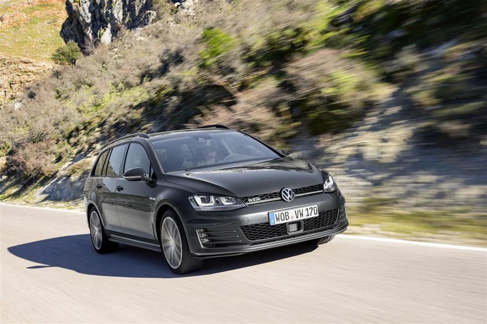 Volkswagen Golf GTD Variant prova su strada, prestazioni e consumi - Foto 6 di 25