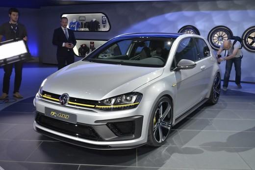 Volkswagen Golf R400 solo per pochi eletti