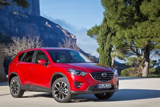 Mazda CX-5: prezzi, versioni e motorizzazioni