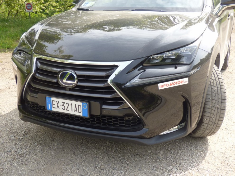 lexus nx hybrid 4wd luxury: la prova su strada con prestazioni e