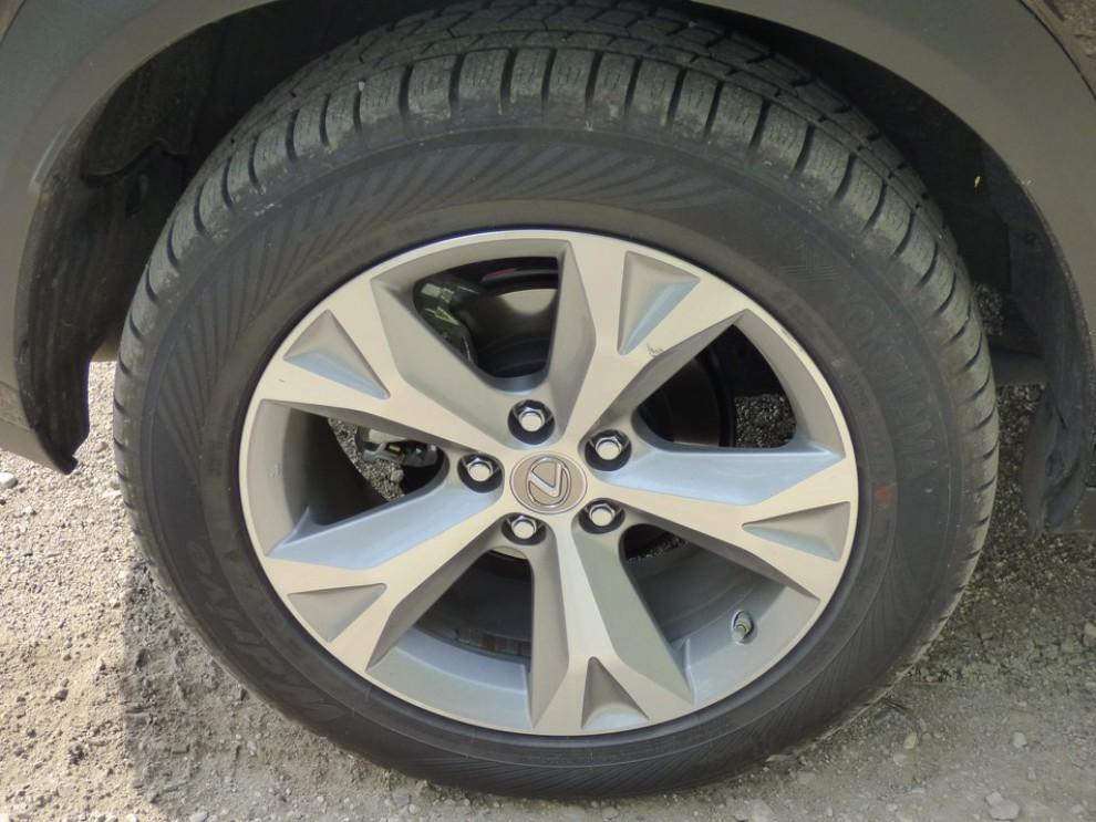 Lexus NX Hybrid 4WD Luxury: la prova su strada con prestazioni e consumi - Foto 9 di 36