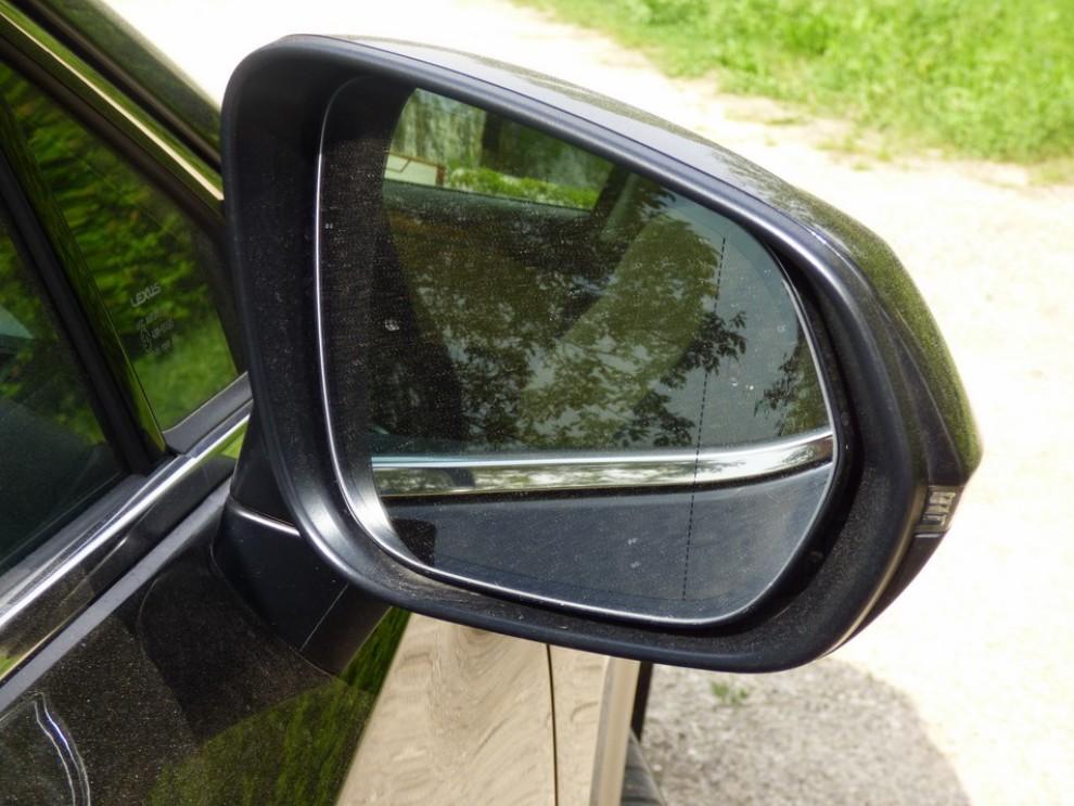 Lexus NX Hybrid 4WD Luxury: la prova su strada con prestazioni e consumi - Foto 10 di 36