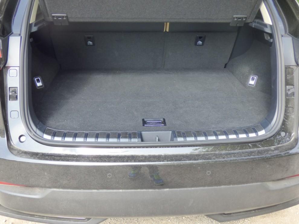 Lexus NX Hybrid 4WD Luxury: la prova su strada con prestazioni e consumi - Foto 16 di 36