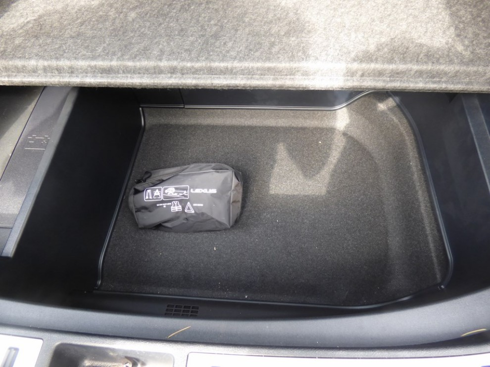 Lexus NX Hybrid 4WD Luxury: la prova su strada con prestazioni e consumi - Foto 17 di 36