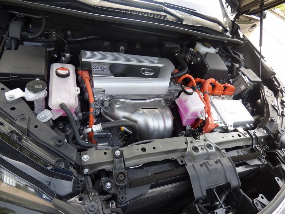 Lexus NX Hybrid 4WD Luxury: la prova su strada con prestazioni e consumi - Foto 18 di 36