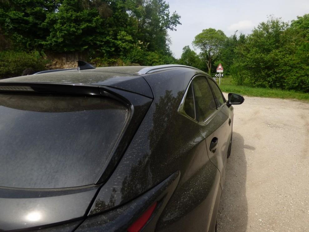Lexus NX Hybrid 4WD Luxury: la prova su strada con prestazioni e consumi - Foto 31 di 36