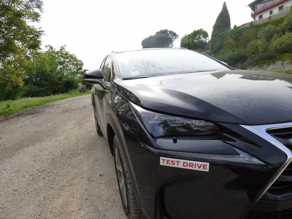 Lexus NX Hybrid 4WD Luxury: la prova su strada con prestazioni e consumi - Foto 36 di 36