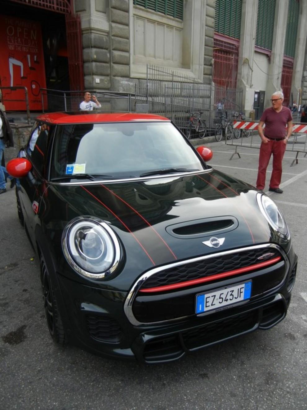 Mini John Cooper Works prova su strada, prestazioni e prezzi - Foto 12 di 20