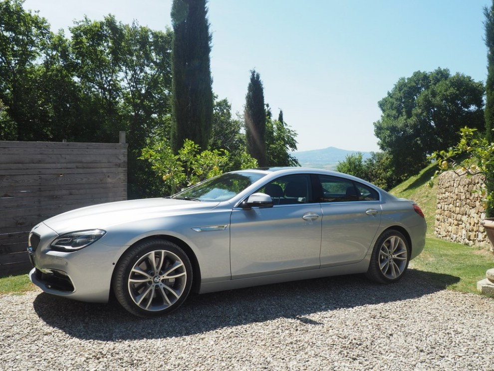 BMW Serie 6 restyling prova su strada, prezzi ed informazioni - Foto 11 di 21
