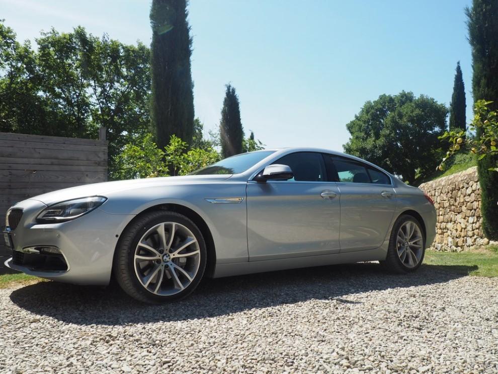 BMW Serie 6 restyling prova su strada, prezzi ed informazioni - Foto 16 di 21