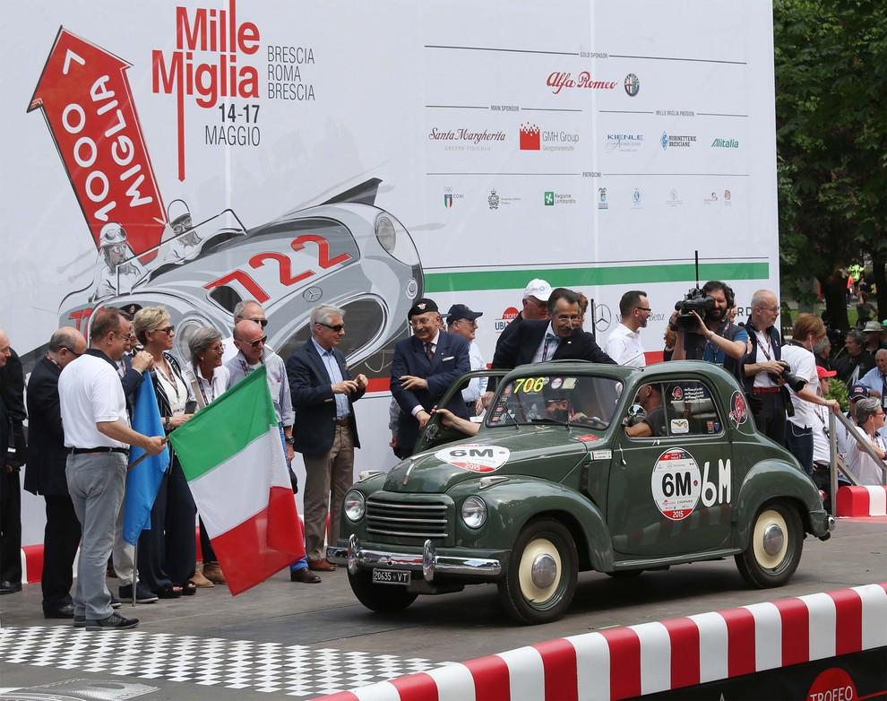 Mille Miglia 2015, due generali in corsa su una Fiat 500C Topolino del 1951 - Foto 1 di 3
