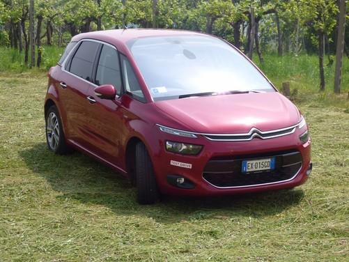 Citroën C4 Picasso 2.0 BlueHDi 150 Cv EAT6 Exclusive provata su strada da Infomotori