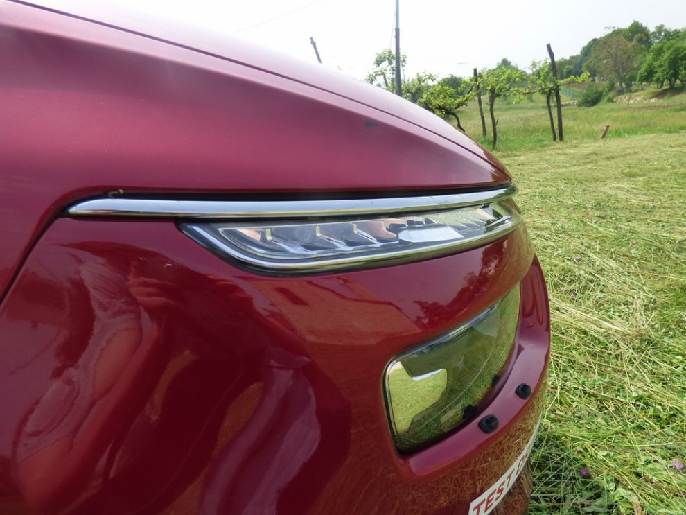 Citroën C4 Picasso 2.0 BlueHDi 150 Cv EAT6 Exclusive provata su strada da Infomotori - Foto 10 di 20