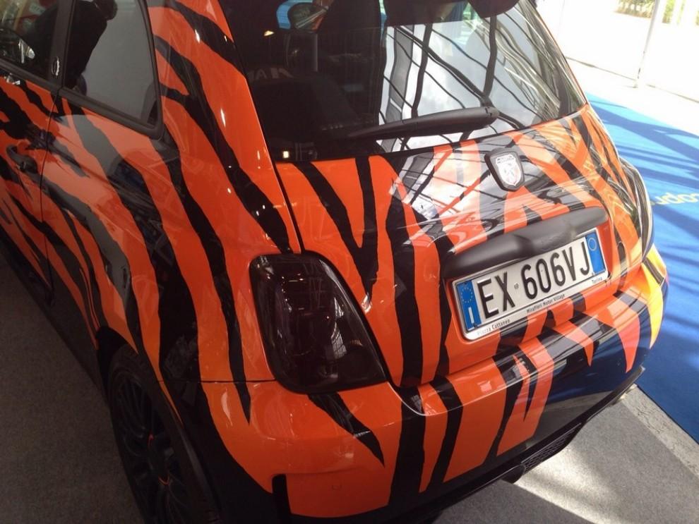 Lapo Elkann e Abarth: ecco la 595 Uomo Tigre - Foto 3 di 29