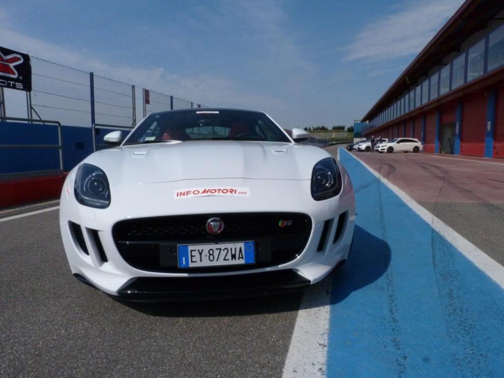 Jaguar F-Type S AWD provata in pista - Foto 16 di 58