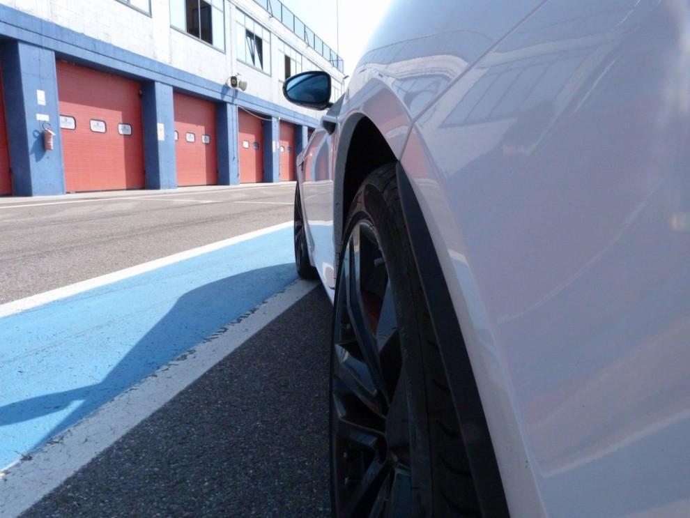 Jaguar F-Type S AWD provata in pista - Foto 25 di 58