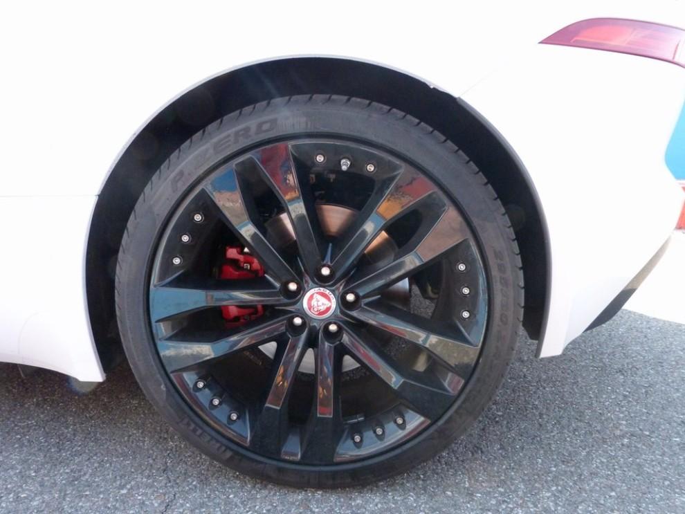 Jaguar F-Type S AWD provata in pista - Foto 28 di 58