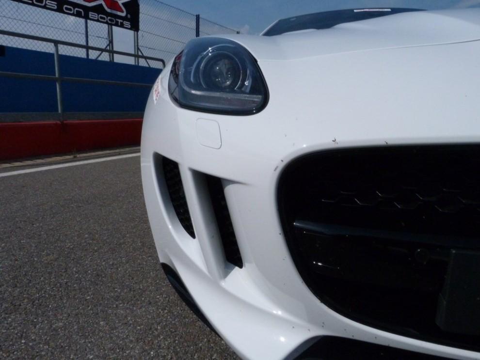 Jaguar F-Type S AWD provata in pista - Foto 30 di 58