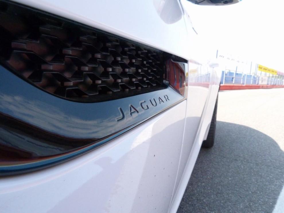 Jaguar F-Type S AWD provata in pista - Foto 40 di 58
