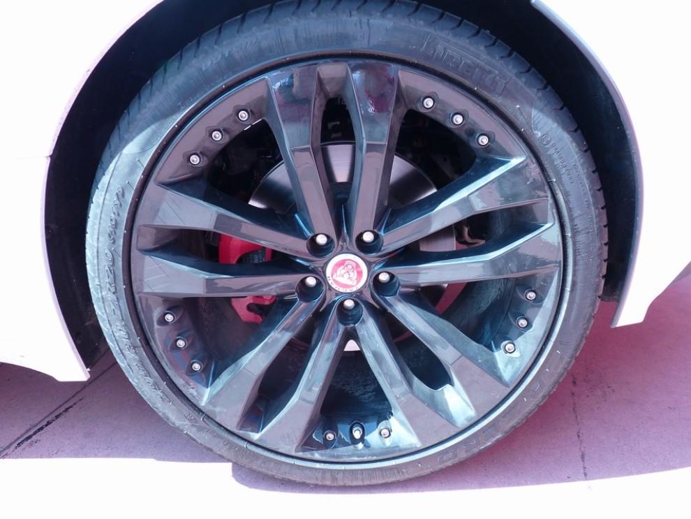 Jaguar F-Type S AWD provata in pista - Foto 47 di 58