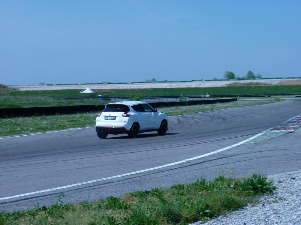 Nissan Juke Nismo RS prova su pista - Foto 44 di 59