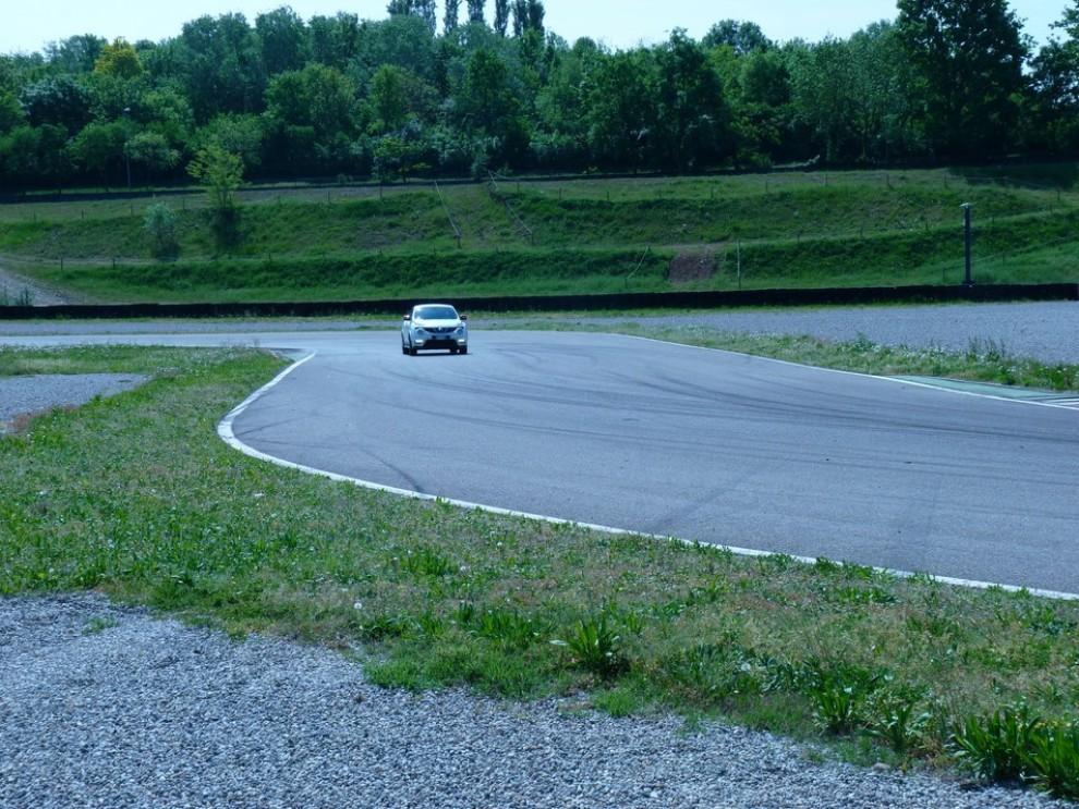 Nissan Juke Nismo RS prova su pista - Foto 48 di 59